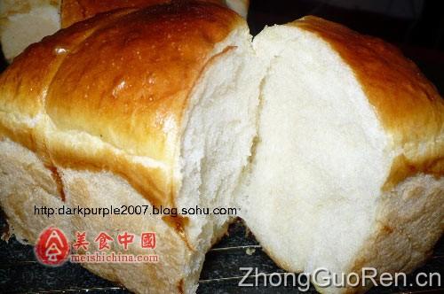 其实最吸引我的是烤面包过程中烤箱里散发出来的香味