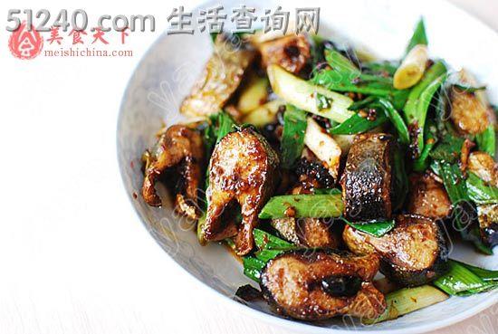 回锅秋刀鱼 热菜菜谱 菜谱 家常菜谱 天天饮食 菜的做法 食谱大全